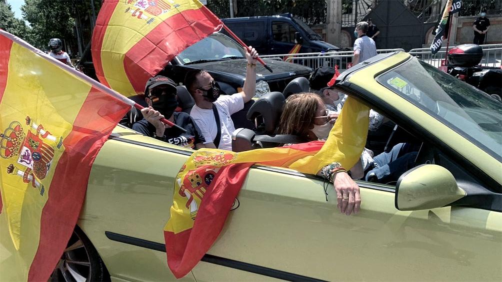 España notificó hoy 15.501 nuevos casos durante el fin de semana, 1.564 de ellos diagnosticados en las últimas 24 horas
