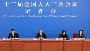 """China advirtió: EE.UU. está llevando las relaciones al """"borde de una guerra fría"""""""