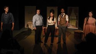 Voces en el éter: actores de Santa Fe vuelven al radioteatro para esquivar el aislamiento