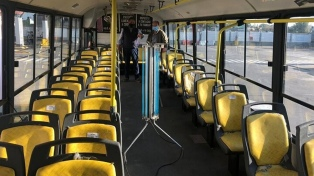 Implementarán luz ultravioleta en unidades de transporte público de La Plata contra el coronavirus