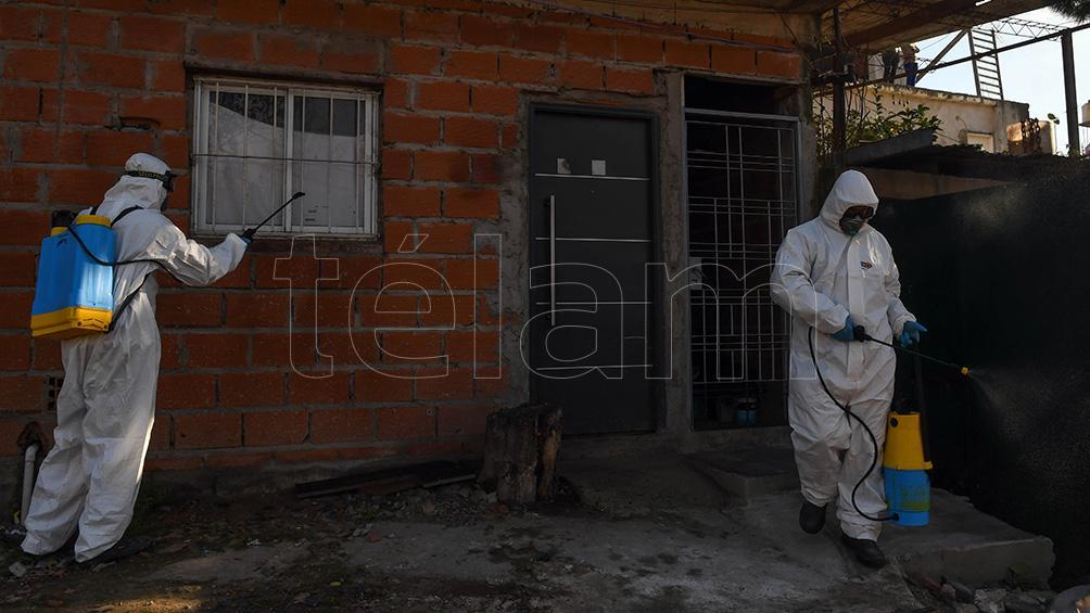 Operativo sanitario por los casos de coronavirus en Villa Azul