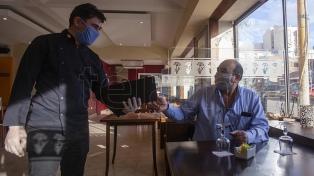 Habilitan reuniones familiares y gastronomía en el interior de Córdoba