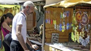 """Artesanos reclaman """"urgente"""" asistencia de alimentos, subsidios y créditos"""