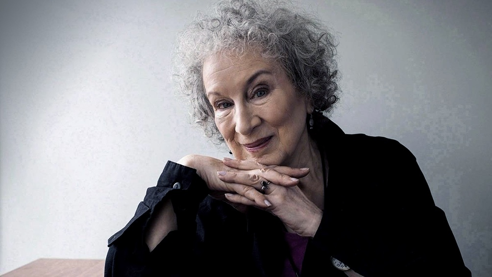 """Atwood: """"Un estado no debería reclamar la propiedad de los cuerpos de las mujeres""""."""