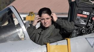 Taiana ordenó respaldar a la mujer piloto que denunció acoso en la Fuerza Aérea