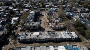Se distribuyeron más de 15 mil litros de agua potable, alimentos y pañales en Villa Azul