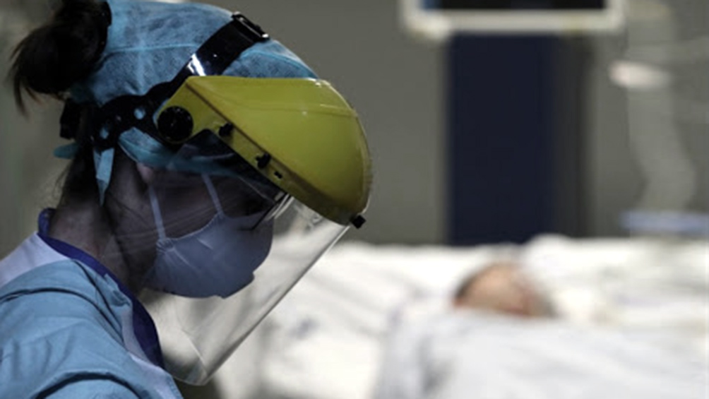 Informan un nuevo fallecido y destacan la estabilidad de casos en el AMBA