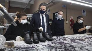 Cafiero y Guzmán visitaron una pyme de calzados beneficiada por el programa ATP