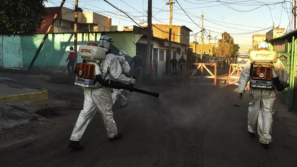 Durante el primer día del operativo se confirmaron siete casos y hay 75 sospechosos. Foto: Carlos Brigo (Télam).