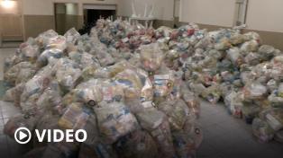 La UTT entregó bolsones de alimentos a vecinos de Villa Azul