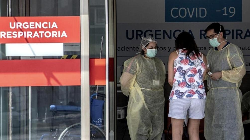 En abril 12 regiones chilenas reportaron un pico de internaciones en terapia intensiva