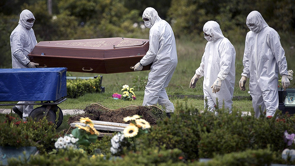 En otra jornada con más de 1.000 muertos por coronavirus, crece el ...