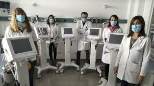Con la entrega de respiradores, se amplió un 70% la capacidad de las terapias