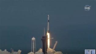 Despegó con éxito la primera misión espacial tripulada privada desde los Estados Unidos