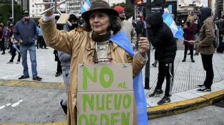 Manifestantes protestaron en el Obelisco y otros puntos del país contra el aislamiento social