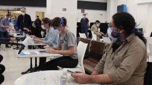Miles de universitarios colaboran como voluntarios en la vigilancia epidemiológica