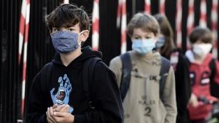 Científicos advierten de un nuevo pico de coronavirus si abren las escuelas sin testear