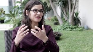 """Carolina Sanín: """"Escribir es, de muchas maneras, ubicarse"""""""