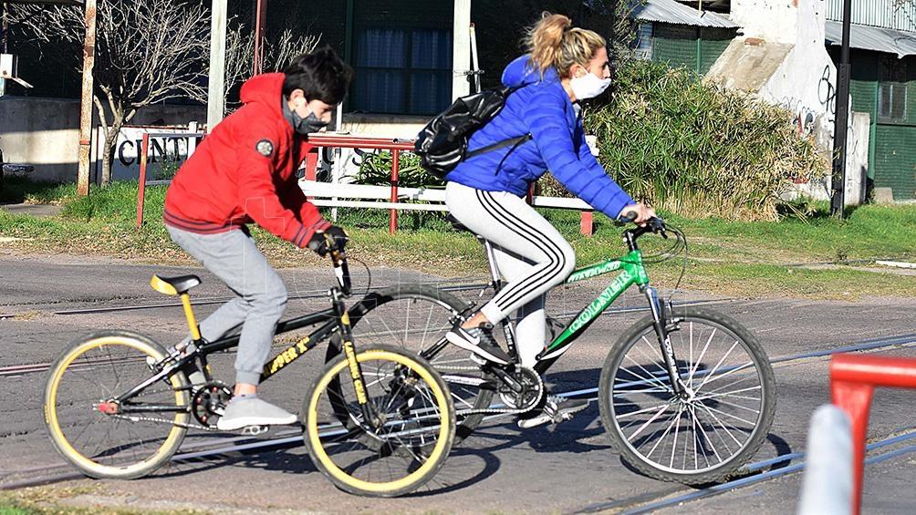 Incluso los trabajadores esenciales prefieren la bicicleta.