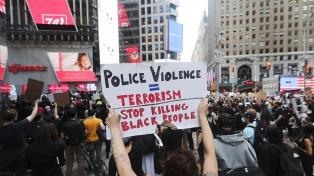Portland vivió otra noche de protestas y represión