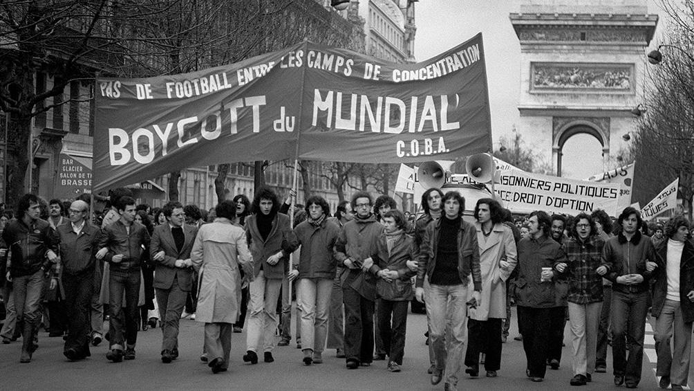 París, el centro de las campañas del boicot al Mundial de la Argentina