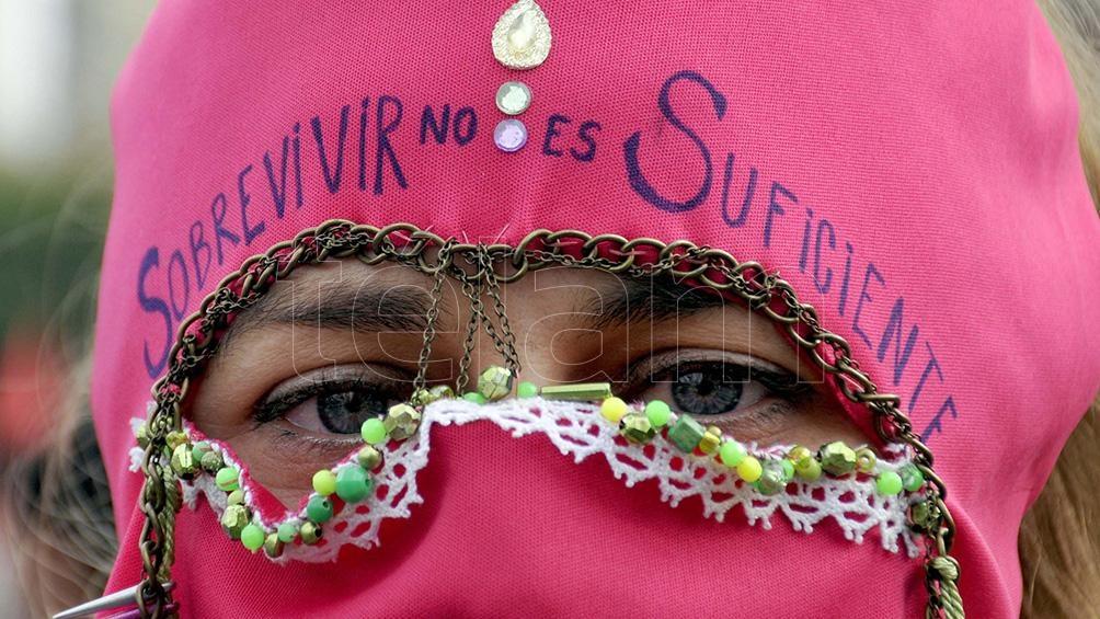 En La Plata, la marcha se realizó con los debidos protocolos sanitarios en el marco de la pandemia Covid-19. Foto: Eva Cabrera (Télam)