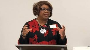 Ferguson eligió por primera vez a una alcalde negra, mujer y referente comunitaria