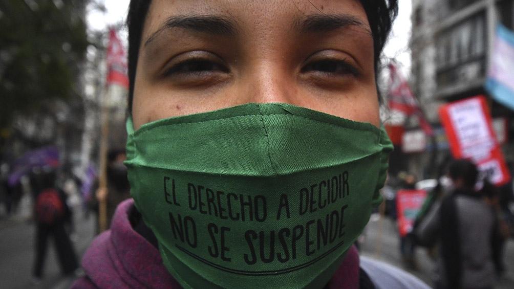 Entre otras acciones usaron altoparlantes en vehículos llamando a la concientización contra la violencia de género. Foto: Laura Lescano (Télam)