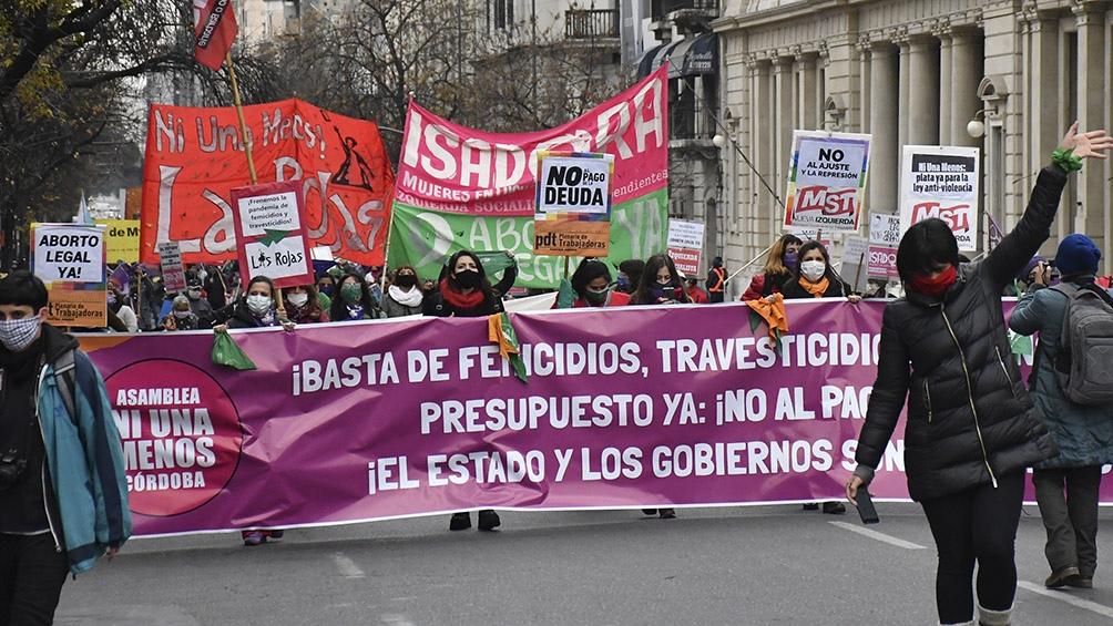 """En Córdoba, el colectivo """"Ni Una Menos"""" y organizaciones de Derechos Humanos realizaron diferentes acciones en la ciudad. Foto: Laura Lescano (Télam)"""