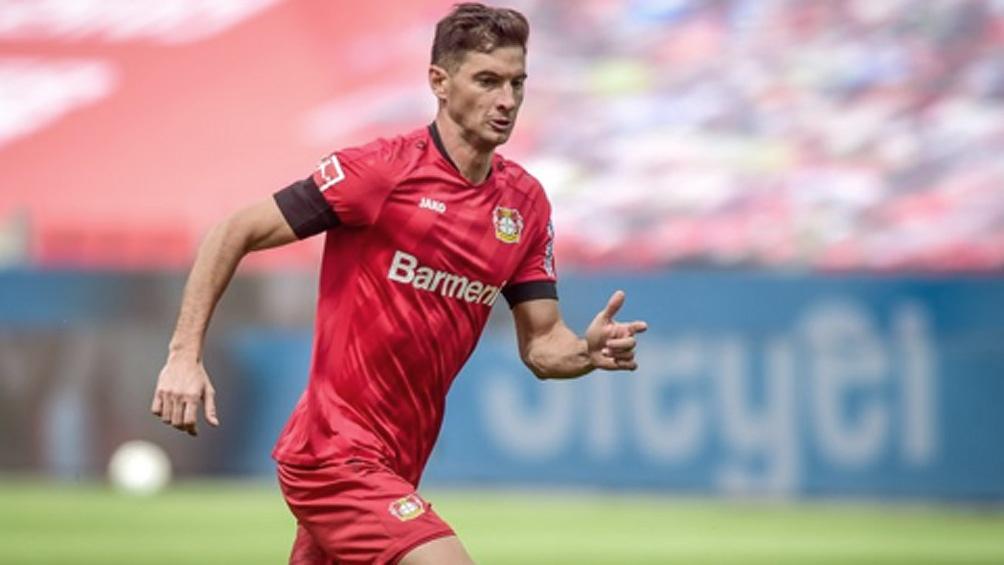 Lucas Alario goleador de Bayer Leverkusen.