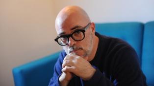 Santiago Loza estrena una microficción sonora que llegará a través de WhatsApp