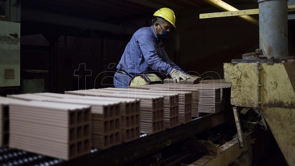 Se espera que tanto la producción fabril como la construcción continúen mostrando variaciones negativas