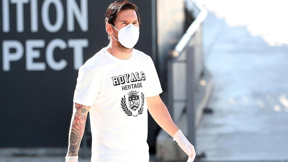 Messi tampoco se presentará hoy al primer entrenamiento para reforzar su estrategia de salida