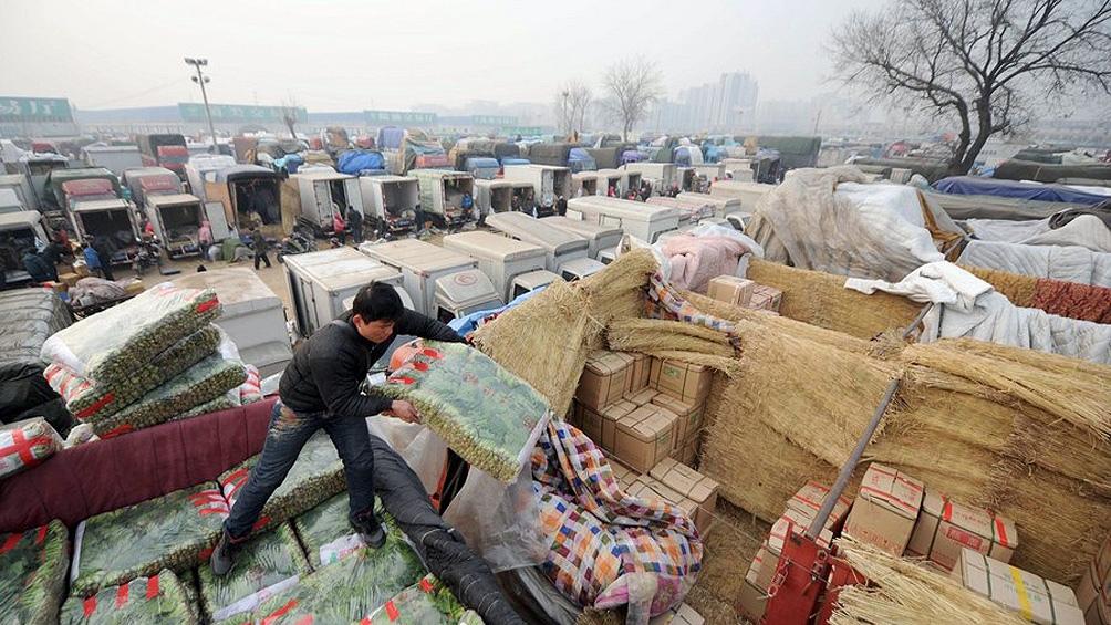 Máxima alarma en China por un brote de coronavirus en el mercado más grande de Beijing