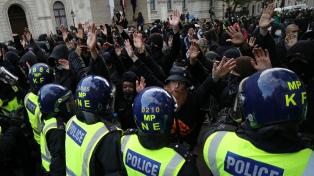 Extremistas de derecha protestan en Londres contra las marchas antirracistas por Floyd