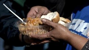 Por la llegada del frío, se asiste a personas sin hogar y familias vulnerables en todo el país