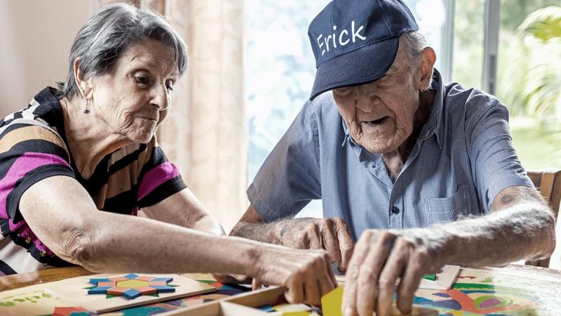 Cobran los jubilados y pensionados con ingresos hasta $ 21.393 y DNI terminado en 6 y 7