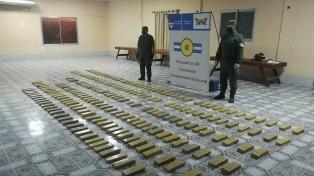 Decomisan más de 185 kilos de marihuana prensada en la localidad de Itatí