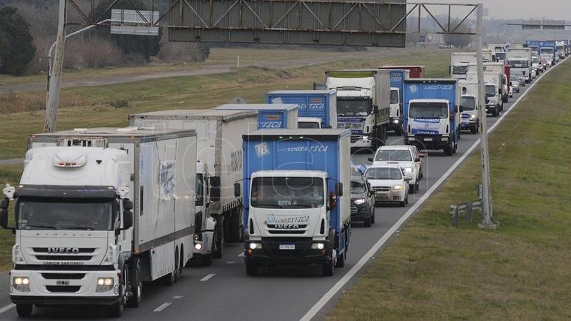 La empresa Chazki y Camioneros acordaron una negociación para resolver el conflicto