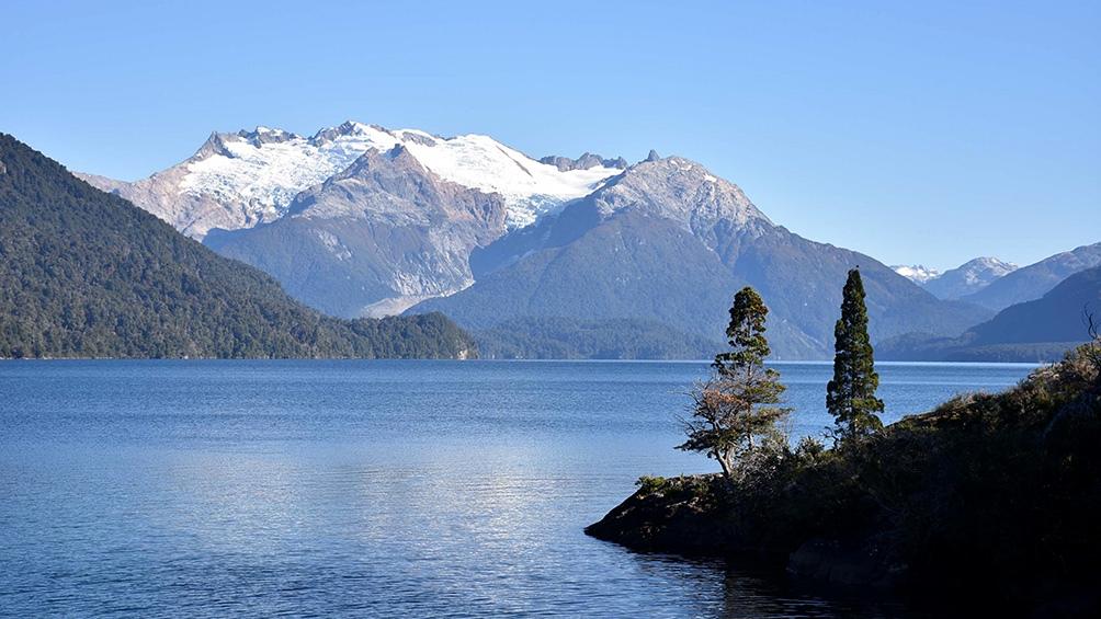 El Parque Nacional Lanín es una de las mecas del trekking. Ascender a la cima del volcán lleva un entrenamiento previo y dos días de travesía.