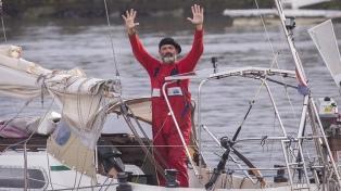 Un marplatense cruzó el océano en velero para reencontrarse con sus padres