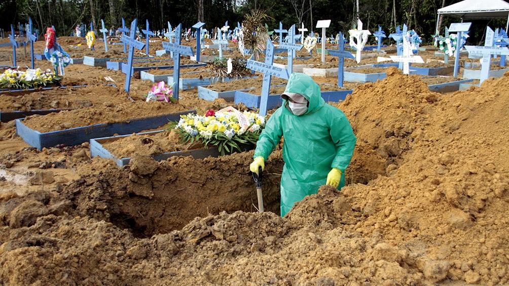 Brasil llegaba ya este domingo a 141.741 muertes por el coronavirus