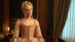 """Elle Fanning es Catalina la Grande en el drama satírico de época """"The Great"""""""