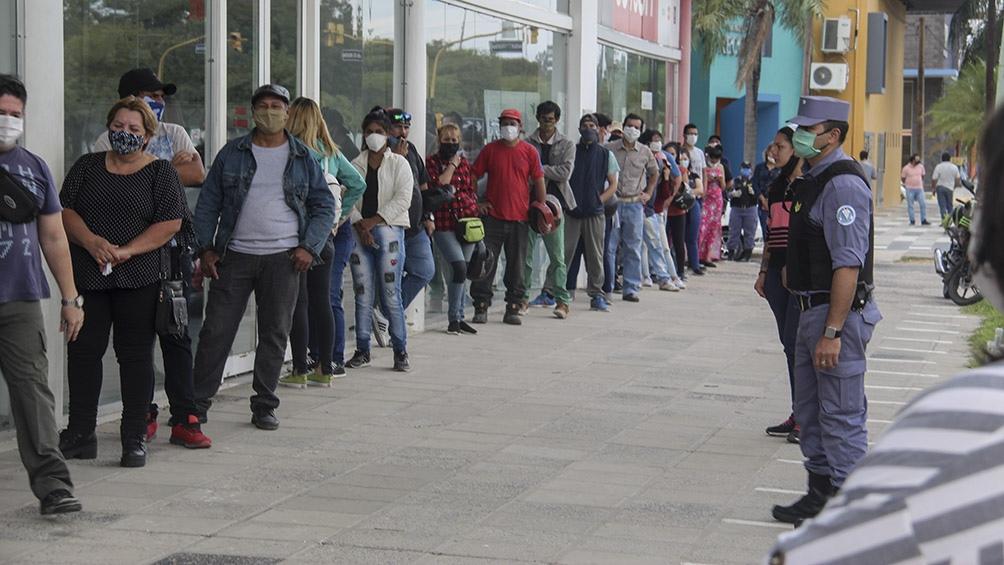 Dos de cada tres hogares argentinos están cubiertos por el Ingreso Familiar de Emergencia