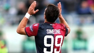 Giovanni Simeone sigue de racha goleadora en Cagliari