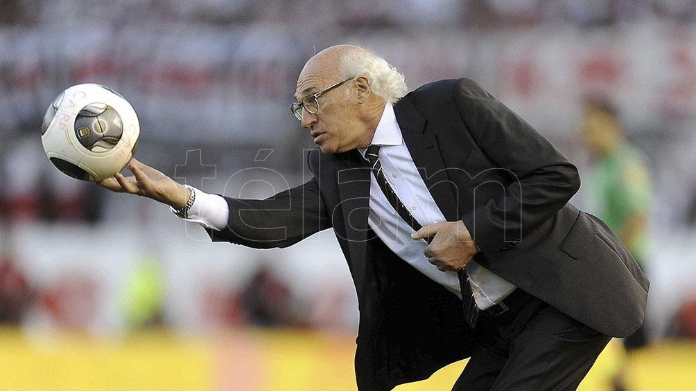 Boca y la Conmebol homenajearon a Carlos Bianchi en el día de su cumpleaños