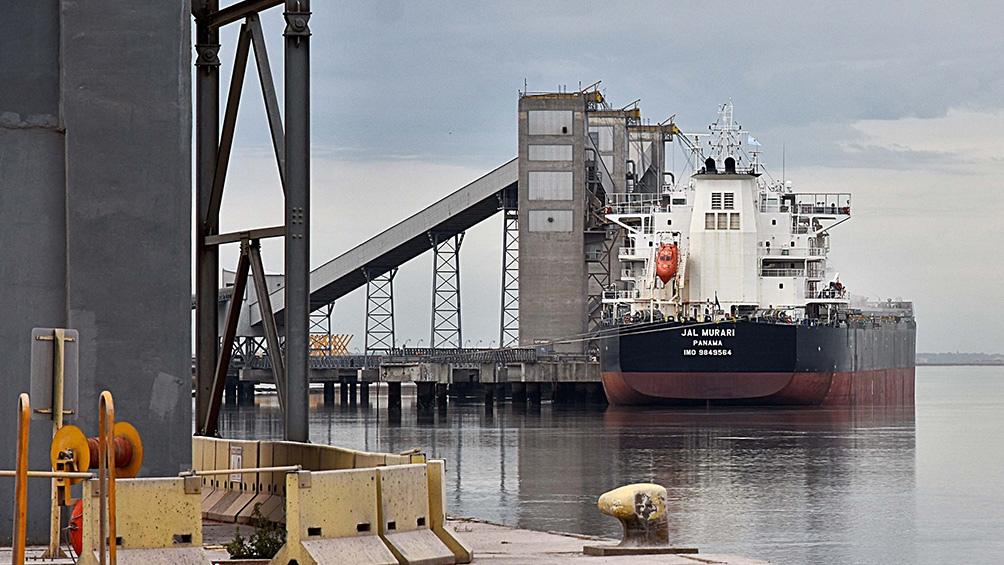 En infraestructura portuaria la inversión alcanzó 145 millones.