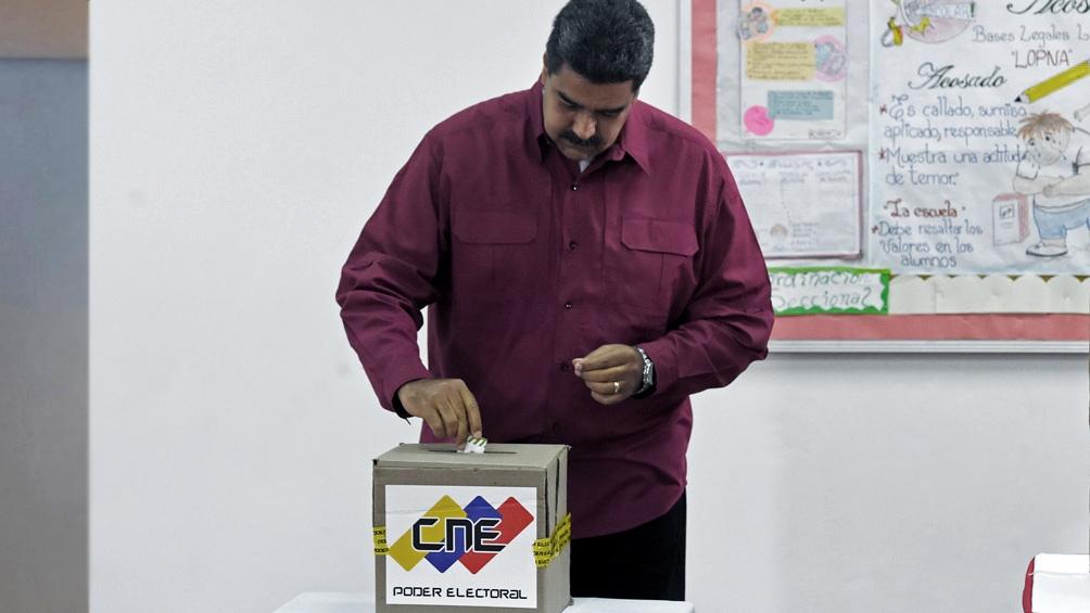 Maduro recuperó el control del Parlamento en unas elecciones boicoteadas por casi toda la oposición