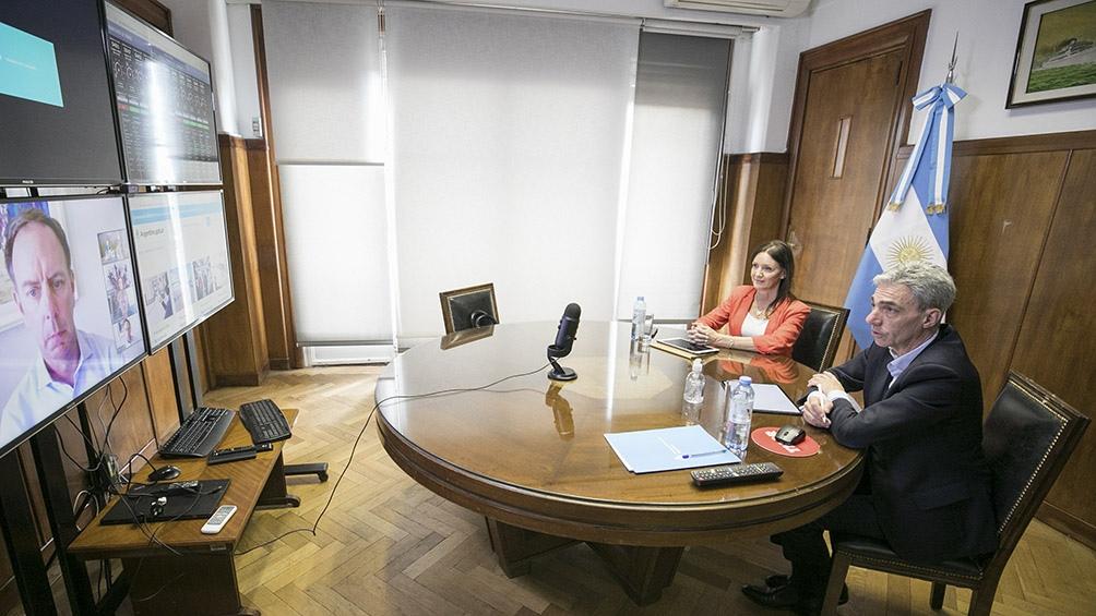 Mario Meoni y Paola Tamburelli se reunieron con directivos de IATA.