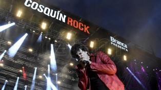 Variedad estilística y prolijos shows, pero poco calor y riesgo artístico en el Cosquín Rock virtual